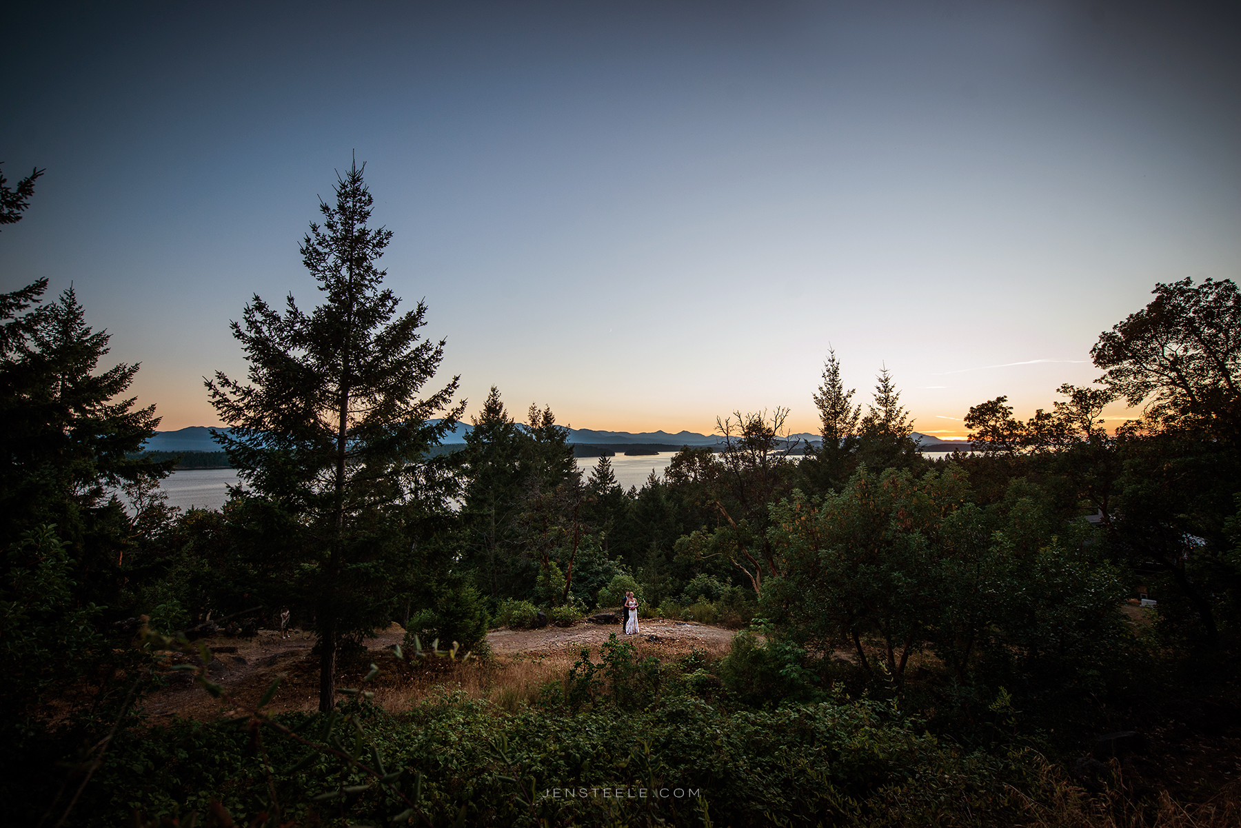 ISLANDWeddings_bodega-ridge_JenSteelePhotography