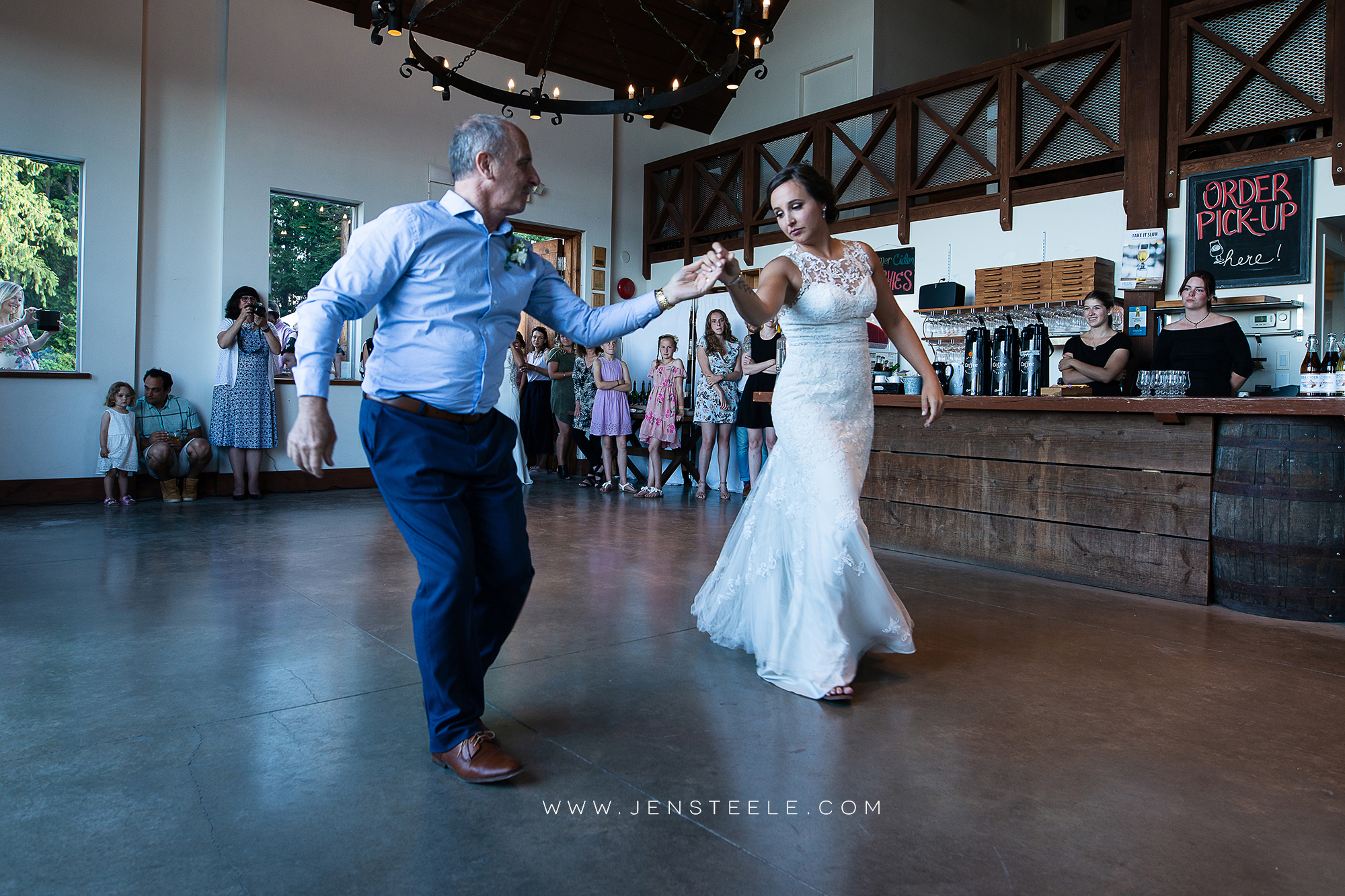 SEA-CIDER-WEDDING-PHOTOGRAPHY-VICTORIA-JEN-STEELE-PHOTOGRAPHY