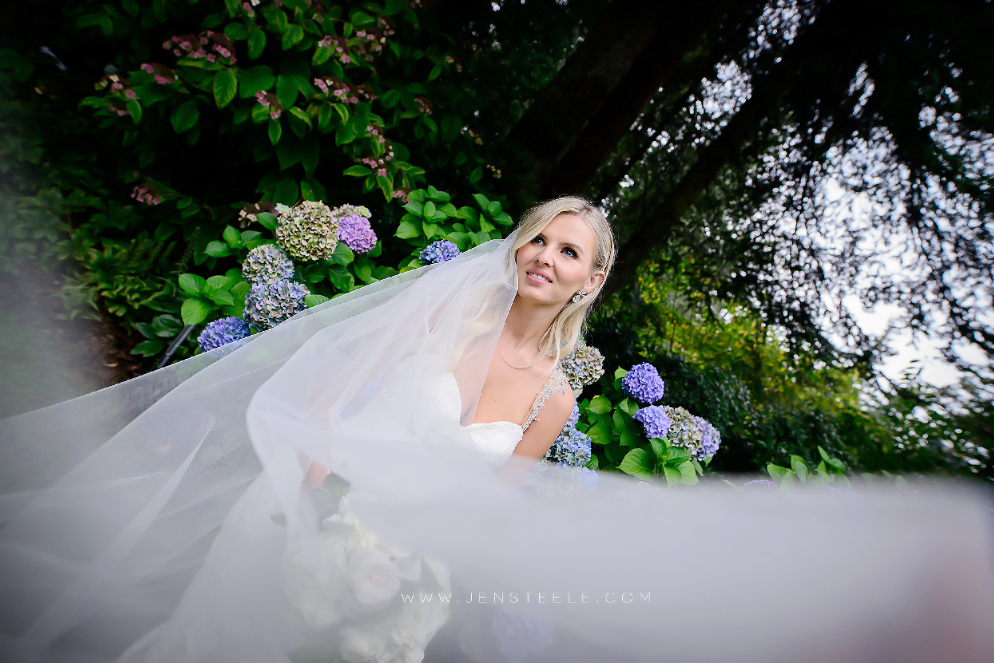 OAK-BAY-BEACH-HOTEL-WEDDING-PHOTOGRAPHERS-VICTORIA-BC-JENSTEELE